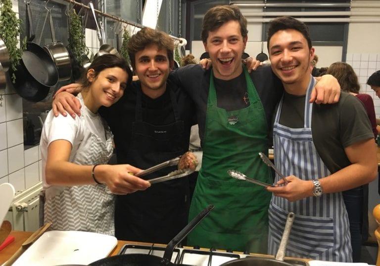 afbeelidin kookworkshop Amsterdam, dit was een leuke groep!